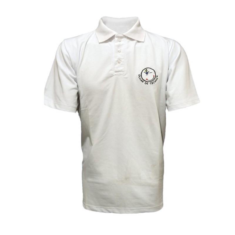 Camiseta Pólo em Piquet branca c  bordado 2ede51d217370